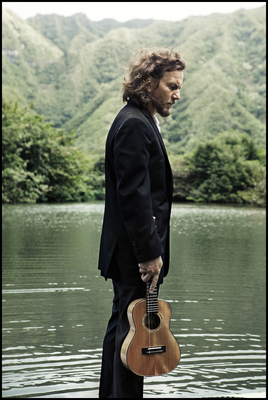 Eddievedder 2020 promo 01 courtesyoftheartist 1500x2239 300