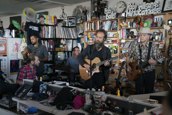Tinydesk calexico and iron wine shuang 9